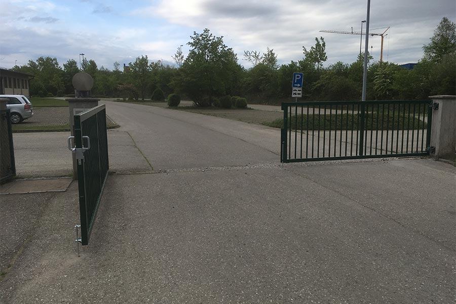 Zaun für die Einfahrt