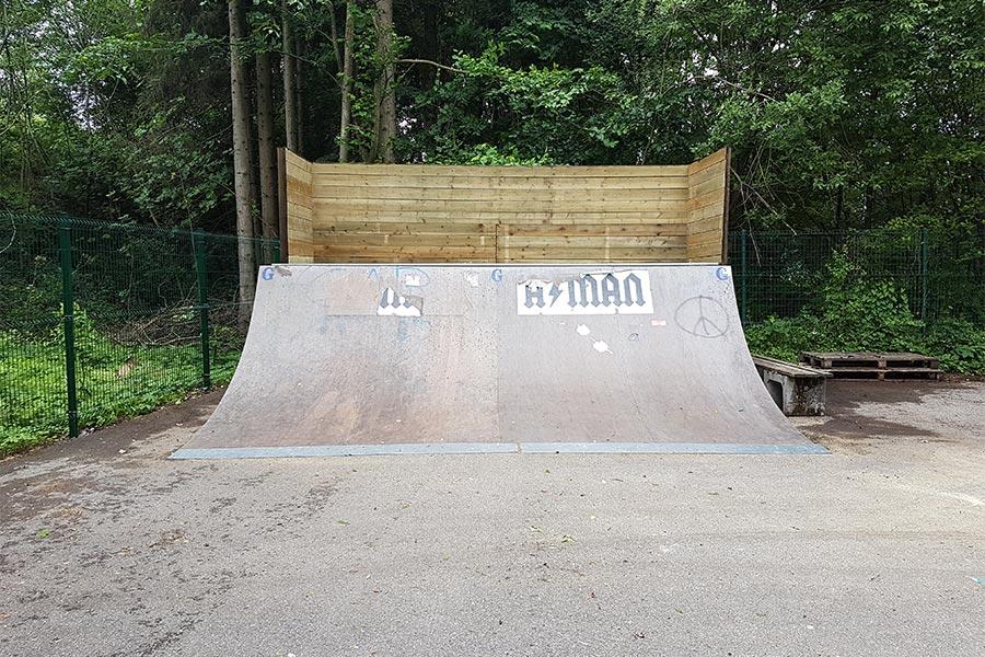 Skateboard-Halfpipe von Gartengestaltung Kutter