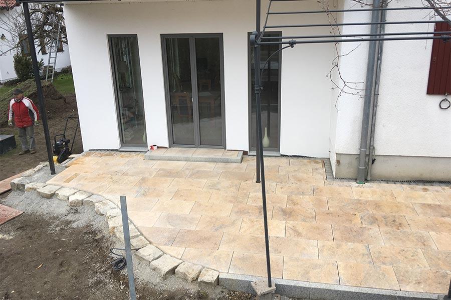 Bau von Terrasse mit Kutter in Memmingen